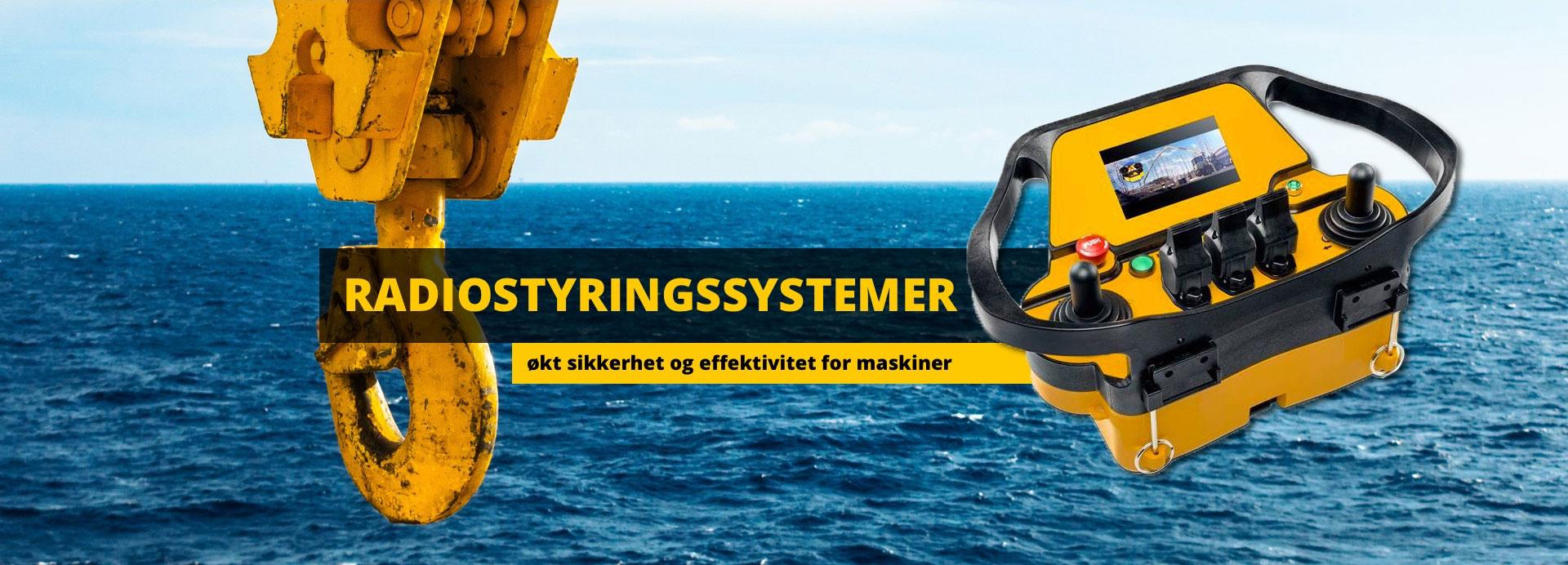 Bilde av kran og radiostyringskontroll med teksten: Radiostyringssystemer, økt sikkerhet og effektivitet for maskiner